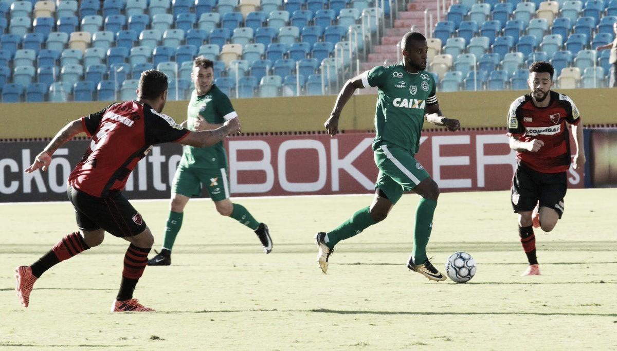 Renato Cajá marca nos acréscimos e Goiás vence Oeste no Estádio Olímpico