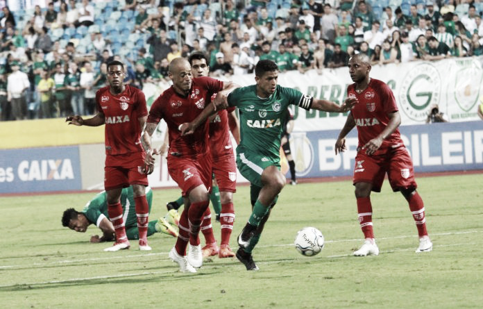 Ameaçado pelo rebaixamento, CRB recebe vice-líder Goiás pela Série B