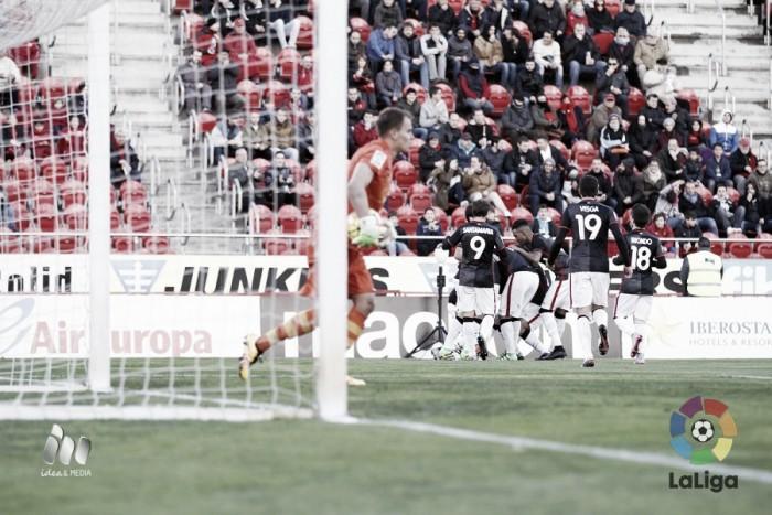 Etxeberría y Vesga debutan como goleadores