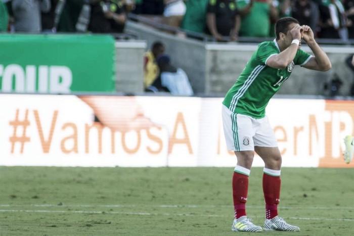 Derrota ante 'Croacia B' mancha gol histórico de Chicharito