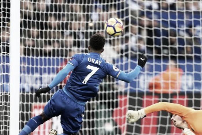 El Leicester sigue su escalada a costa de la revelación del campeonato