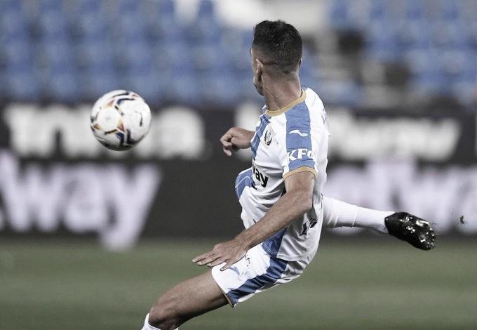 Sabin Merino remata de volea para poner el 2-0 / FOTO: Twitter CD Leganés.