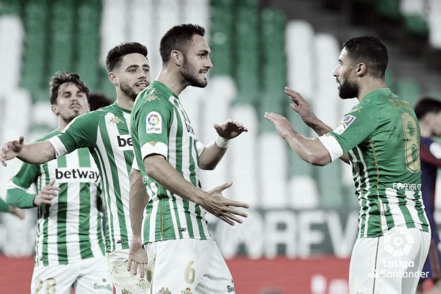 Víctor Ruiz se gana la renovación con el Real Betis