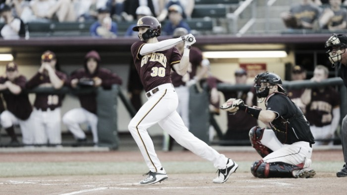 #19 Minnesota Golden Gophers defeat Illinois Fighting Illini 3-1, solidify lead in conference standings