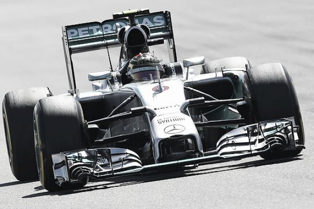 Rosberg retribui e vence GP da Alemanha
