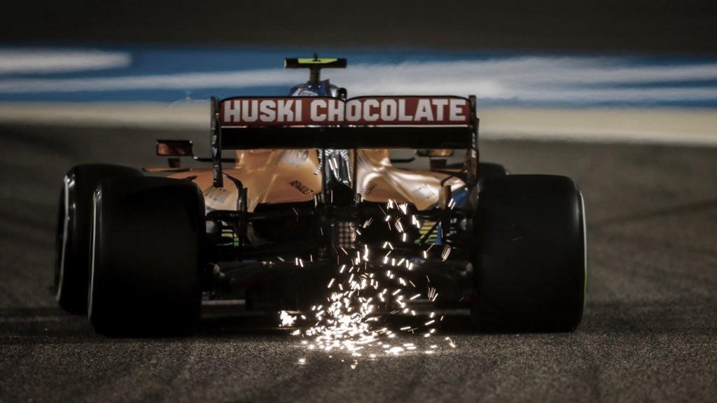 Las chispas aumentan el espectáculo al caer la noche. Fuente: McLaren