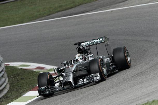 Lewis Hamilton prend sa revanche
