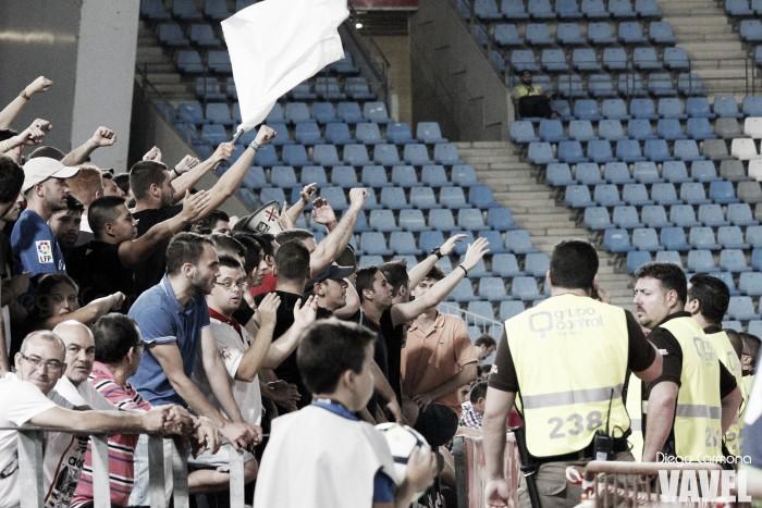 El Almería anuncia que los miembros de Grada Joven serán reubicados