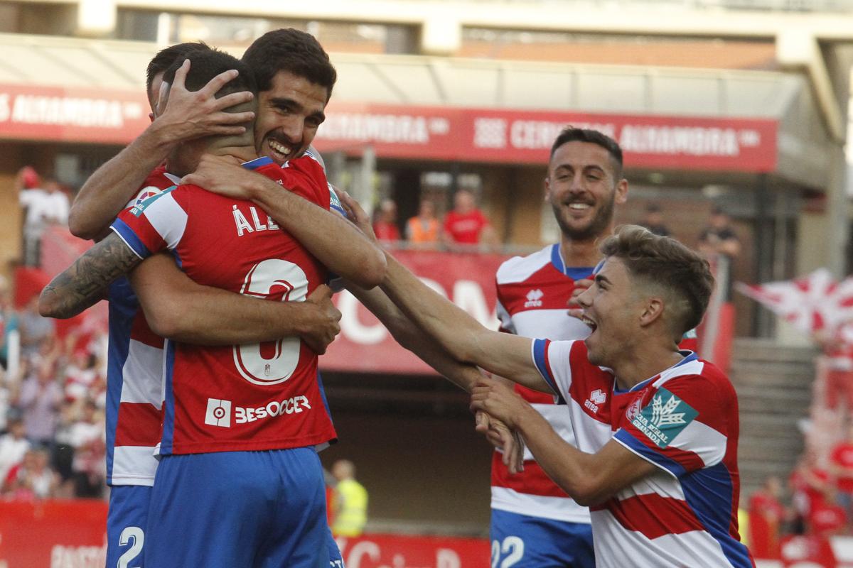 El Granada CF le pone la guinda a una temporada inolvidable