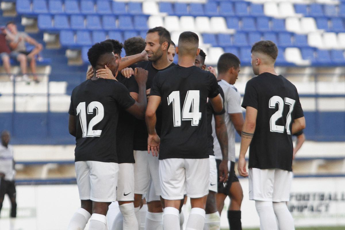El Granada CF se impone a un rocoso Reading en el primer 'test'