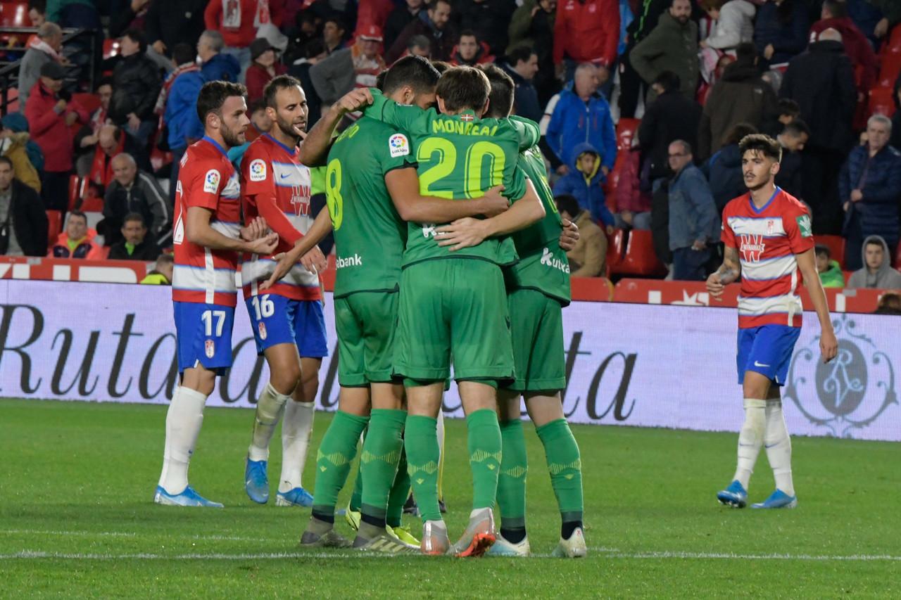 Portu castiga al Granada CF en Los Cármenes