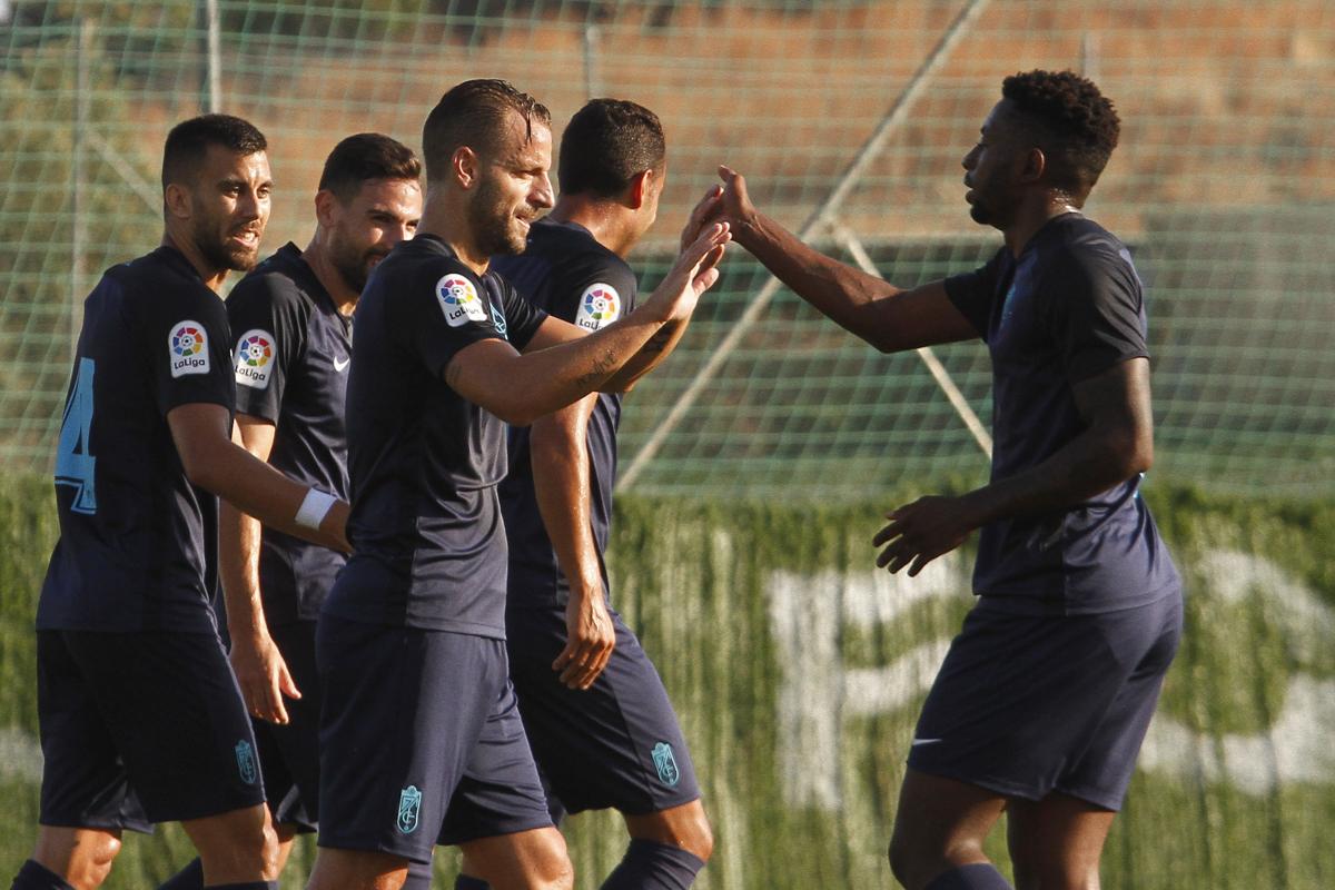El Granada CF supera al Valladolid en un intenso amistoso