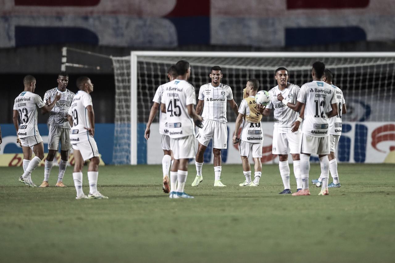 Em confronto direto, Grêmio recebe Fortaleza com força máxima pelo Brasileirão