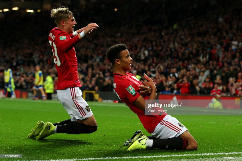 Manchester United 1-1 Rochdale: Penalties needed to send stale Reds through