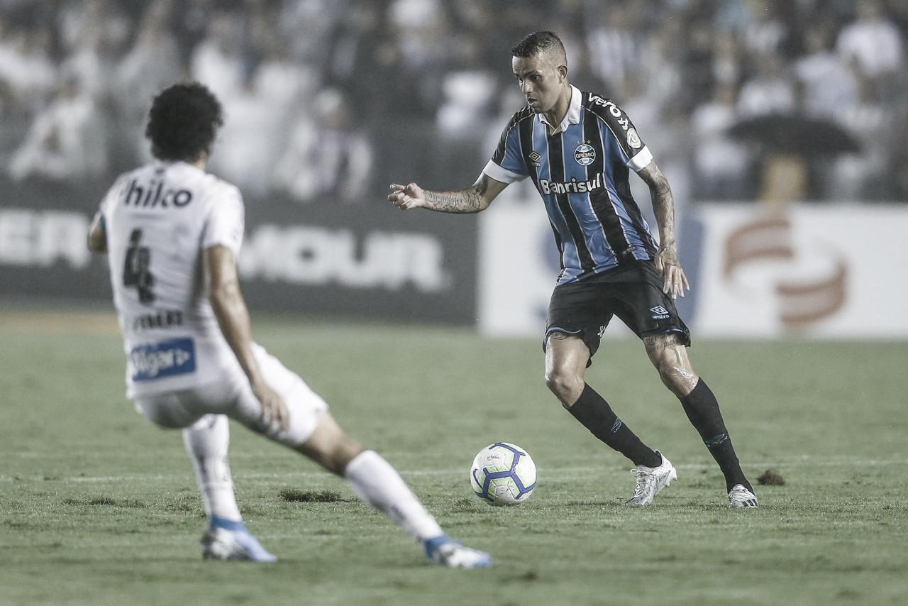 Grêmio bate Santos fora de casa e se aproxima do G-6 do Brasileirão