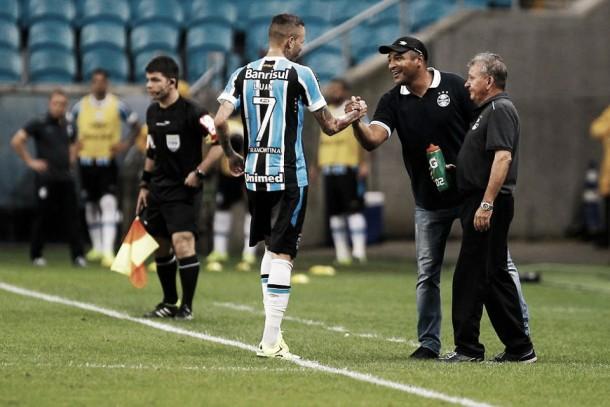 """Roger quer triunfo em Gre-Nal para selar vaga na Libertadores: """"Precisamos dos pontos do clássico"""""""