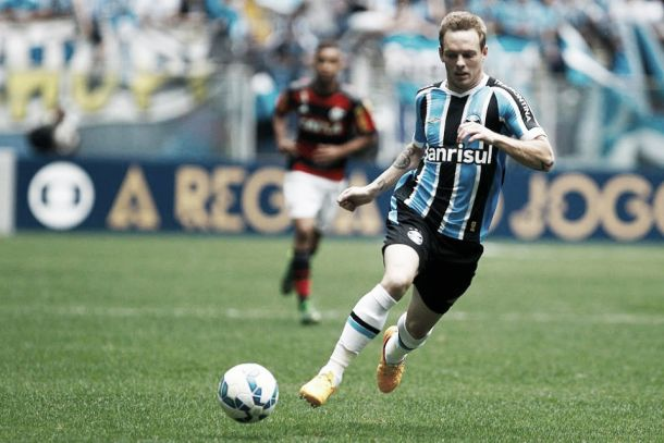 Volante Moisés espera crescer com sequência e aprova estreia na Arena como titular pelo Grêmio