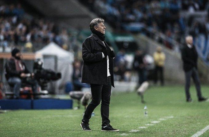 """Renato Gaúcho exalta atuação do Grêmio e destaca domínio sobre o Athletico: """"Grande apresentação"""""""