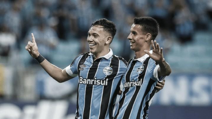 Sem piedade: Grêmio vence e mantém Cruzeiro no Z-4 faltando uma rodada para o fim