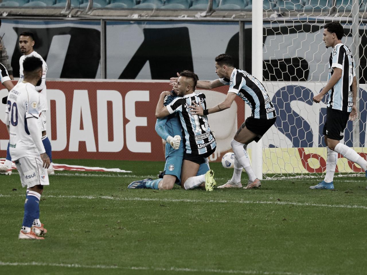Com um a menos, Grêmio fica no empate com Fortaleza e segue na lanterna do Brasileirão