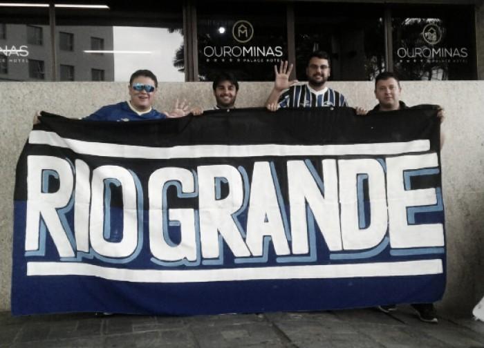 Assim como em Porto Alegre, Grêmio desembarca em BH sob forte apoio da torcida