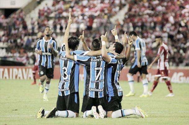 Grêmio faz primeiro tempo avassalador e elimina CRB no jogo da ida na Copa do Brasil