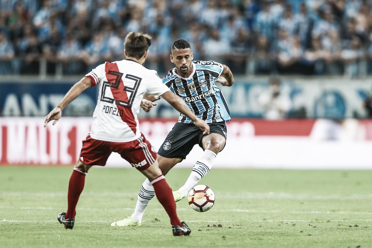 River Plate vira contra Grêmio com gols na reta final e avança à decisão da Libertadores