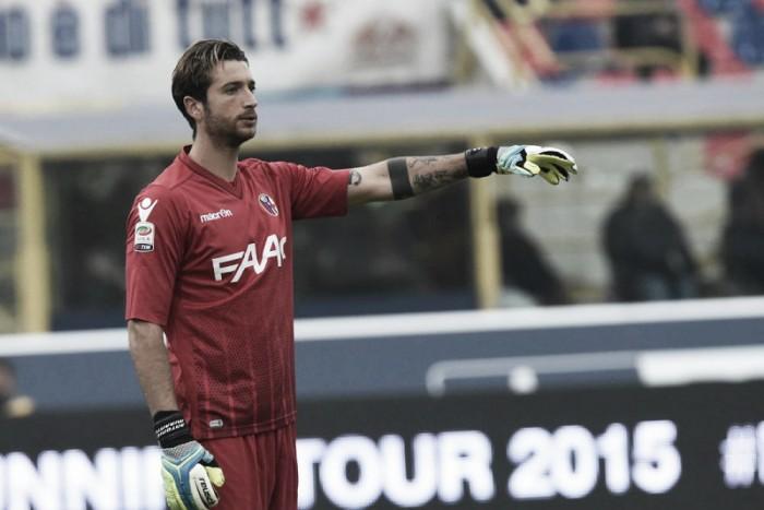 Goleiro do Bologna, Mirante vence problema cardíaco e está liberado para jogar