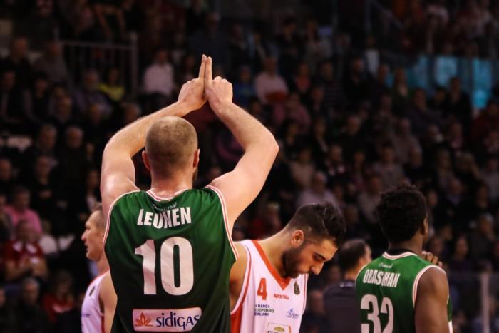 Leunen manda Avellino in semifinale e Reggio in vacanza