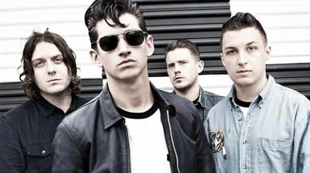 Arctic Monkeys presenta 'Snap out of it'