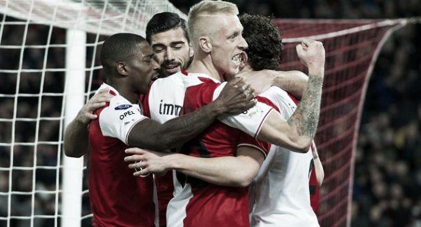 Feyenoord goleia o NEC de virada no De Kuip