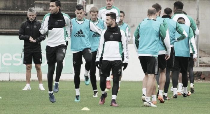 Víctor tiene a toda la plantilla disponible para el debut en Copa del Rey