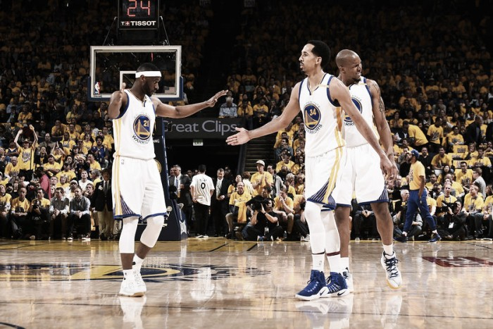 NBA playoffs, Warriors ancora imbattuti e a due passi dalle Finals