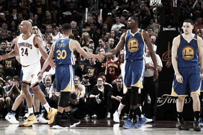 Warriors stratosferici: Golden State vince anche a Cleveland e va 3-0