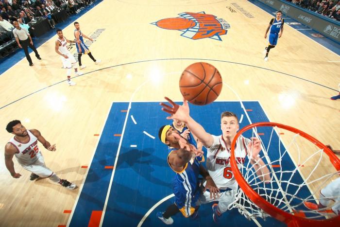 NBA - Golden State fatica ma torna a vincere: Knicks battuti 112-105