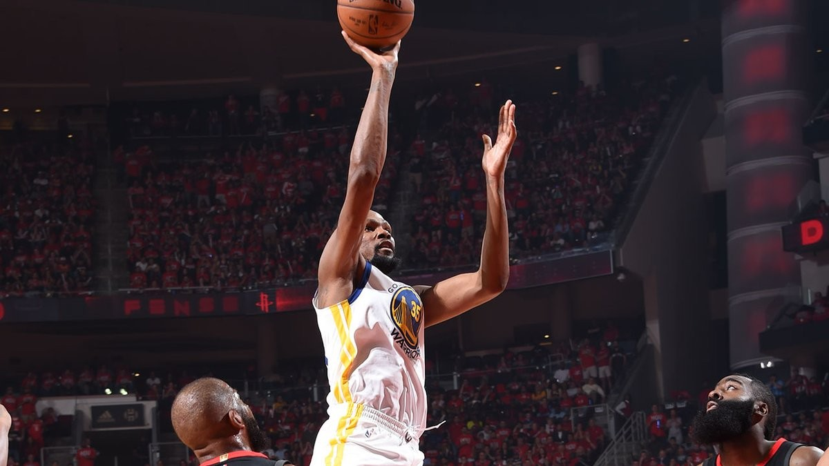 NBA Playoffs, Western Conference Finals - Celestiale Durant, Houston si inchina alla difesa di Golden State