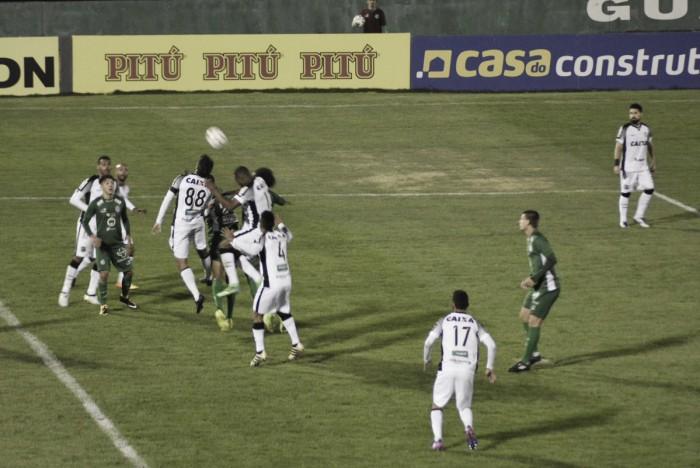 Guarani deixa escapar vitória no fim diante do Ceará, mas mantém liderança da Série B
