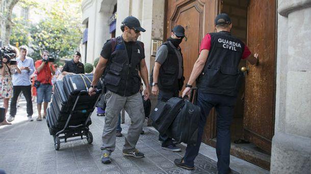 La Guardia Civil registra la fundación Catdem por presuntas comisiones ilegales