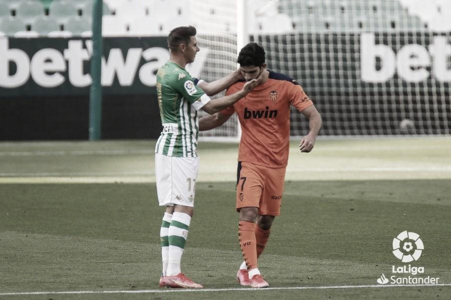 Reparto de puntos en un partido con goles en el Villamarín
