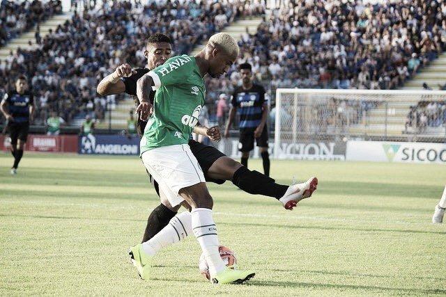 No sufoco: Chapecoense busca empate com Tubarão em jogo de seis gols