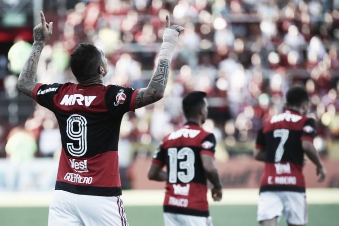 Artilheiro do Fla no ano, Guerrero alcança 20 gols na mesma temporada pela primeira vez