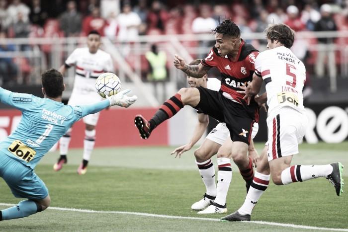 """Guerrero se desentende com Lugano e acusa o uruguaio de cotovelada: """"Tentou me tirar do jogo"""""""