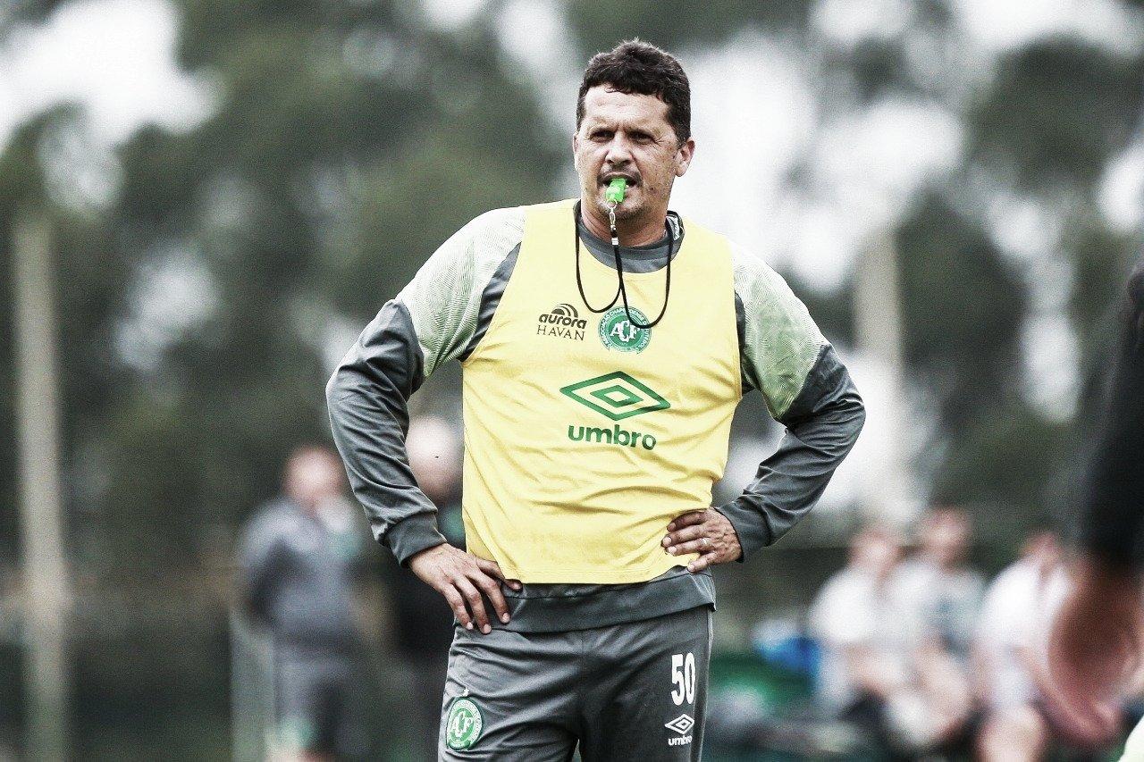 Claudinei Oliveira não resiste a maus resultados e é demitido da Chapecoense
