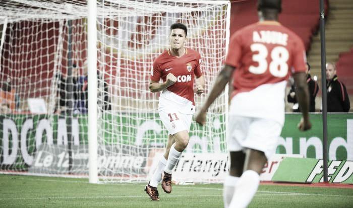 Monaco goleia Guimgamp, mantém tabu e segue na caça ao PSG