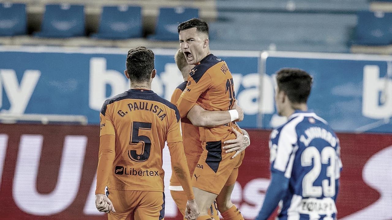 El Valencia logra sacar un punto de Mendizorroza./ Foto: Valencia CF