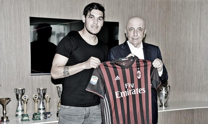 Zagueiro Gustavo Gómez acerta com Milan e será o primeiro paraguaio na história do clube