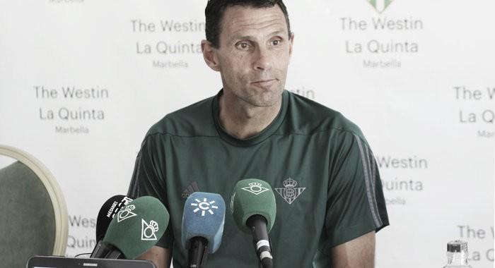 """Gustavo Poyet: """"Estoy muy satisfecho de cómo vienen los jugadores tras las vacaciones"""""""