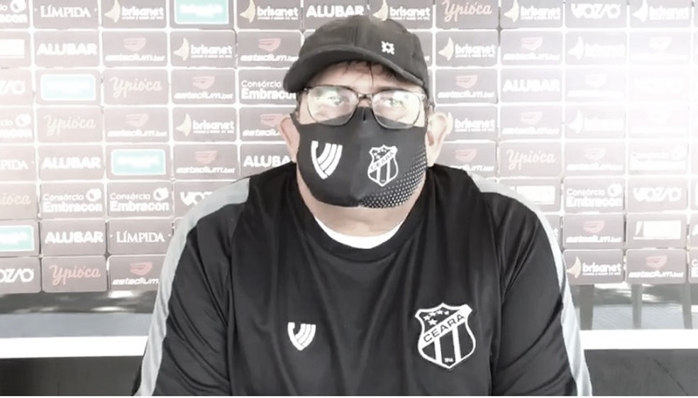 Guto Ferreira elogia entrega dos jogadores do Ceará apesar de derrota no clássico