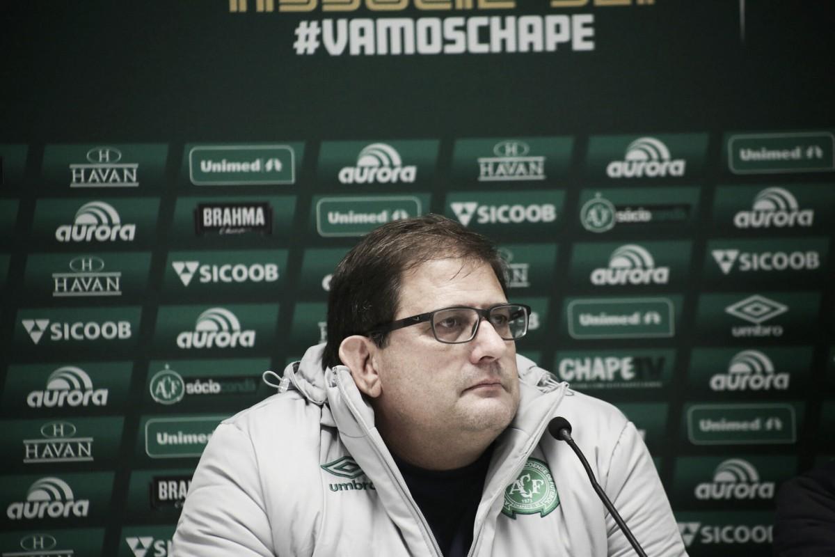 Guto Ferreira diz que arbitragem influenciou no empate da Chape contra o Paraná