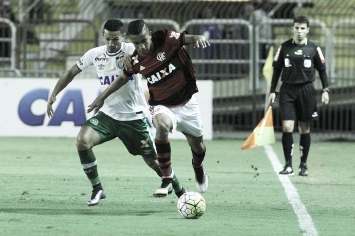 """Apesar de ceder empate no fim, Guto Ferreira valoriza resultado: """"Serve de aprendizado"""""""